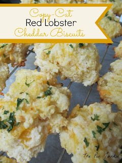 copy-cat red lobster cheddar biscuits