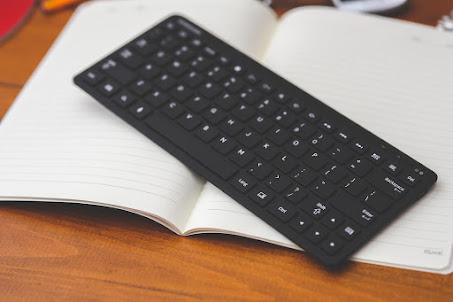 Keyboard yang nyaman digunakan untuk bekerja