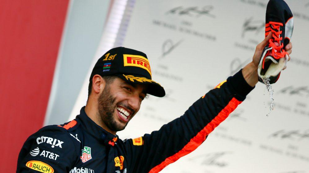 Ricciardo venceu o Grande Prêmio do Azerbaijão 2017 pela Red Bull, mas não terminou os dois GPs seguintes