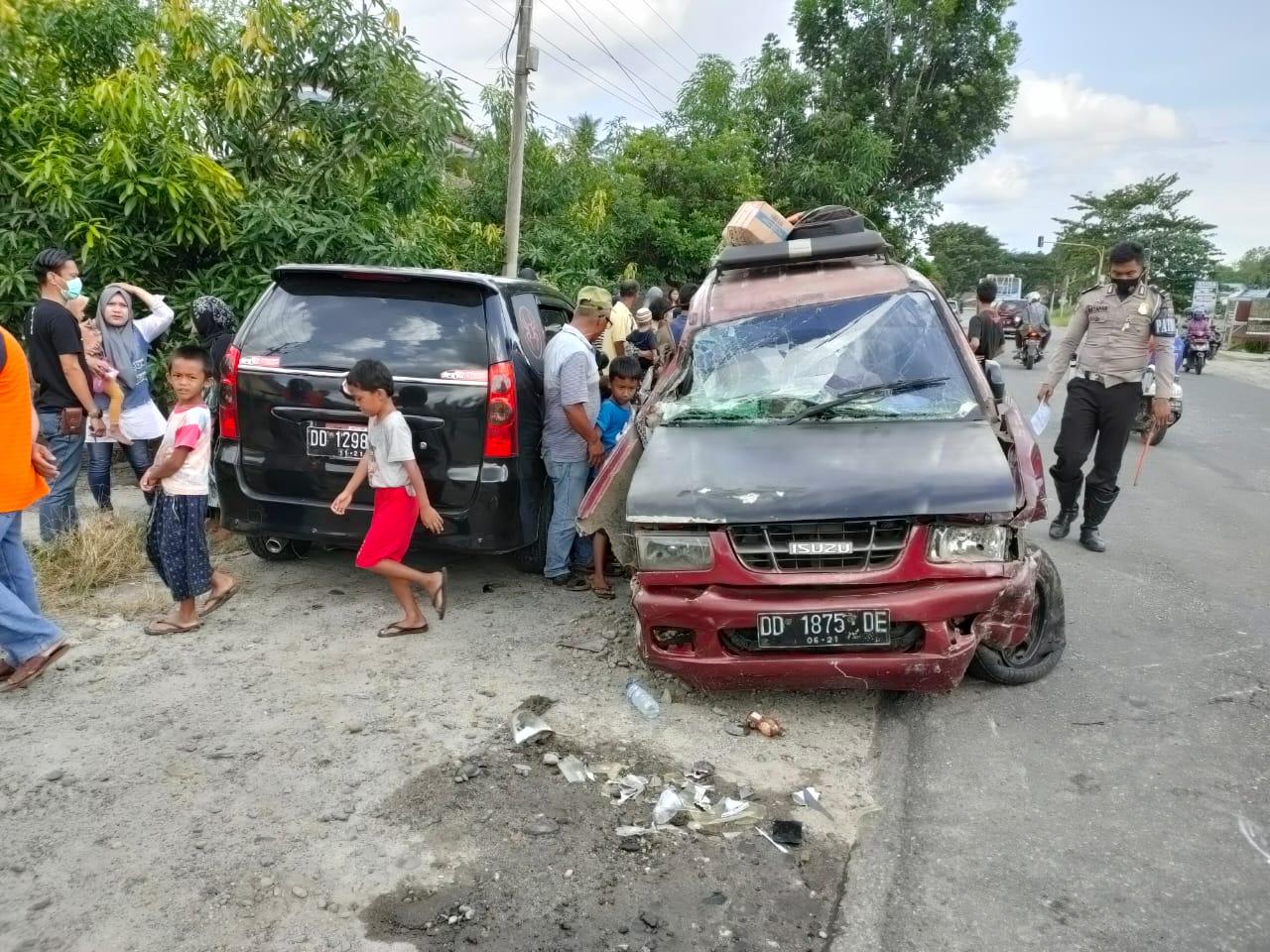 Tiga Mobil Terjadi Kecelakaan di Mappedeceng Lutra, Begini Kronologinya