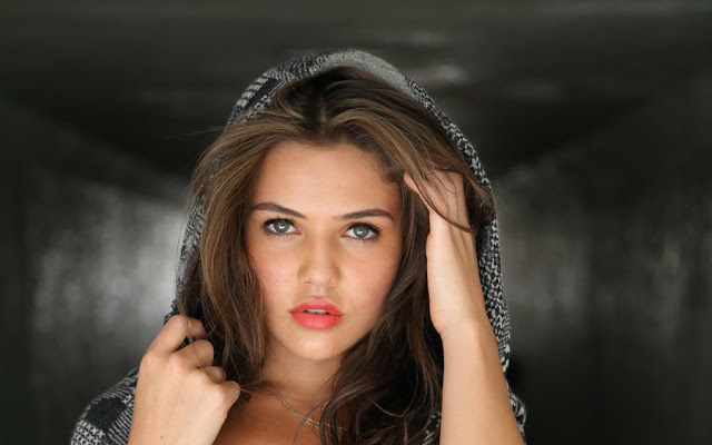 Danielle Campbell HD Wallpapers Free Download