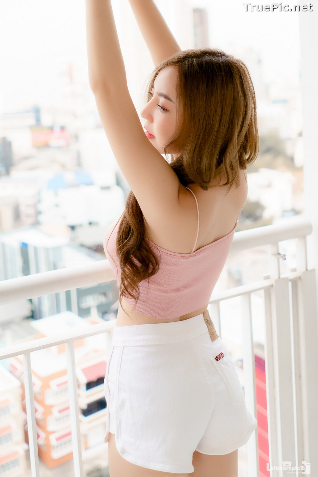Image Thailand Model - Champ Phawida - Pink Crop Top and White Short Pants - TruePic.net - Picture-19