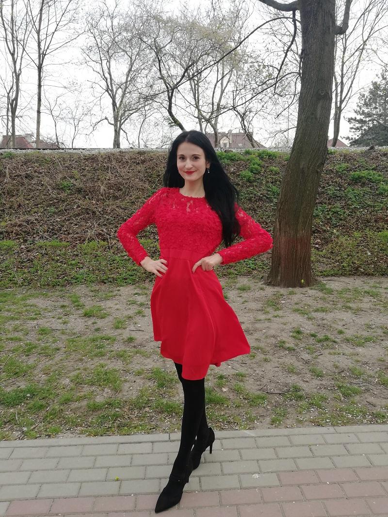 Orsay czerwona sukienka z efektem 3D