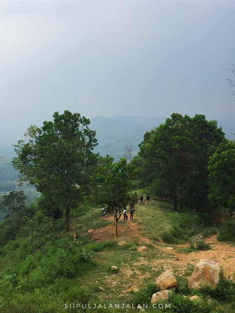 Tempat kemping di Gunung Batu Jonggol