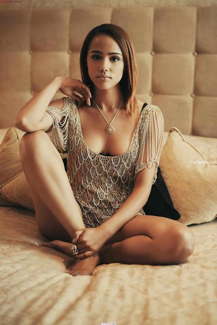 Nathalie Emmanuel Hot Photos- Sexy Bikini, Lingerie Images | HD Pictures