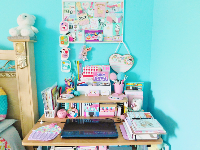 Desk & Mood Board Tour