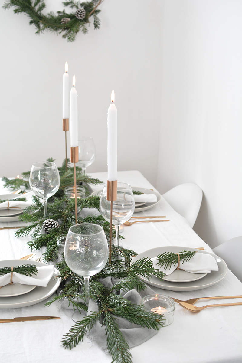 modern christmas tables setting