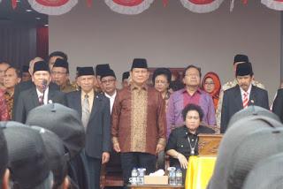 Alasan Prabowo Pilih Upacara di UBK Daripada di Istana Merdeka