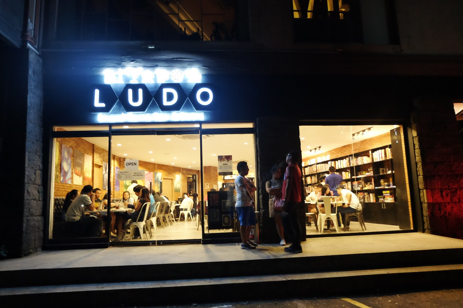 ludo boardgame bar cafe makati the foodinista. Black Bedroom Furniture Sets. Home Design Ideas
