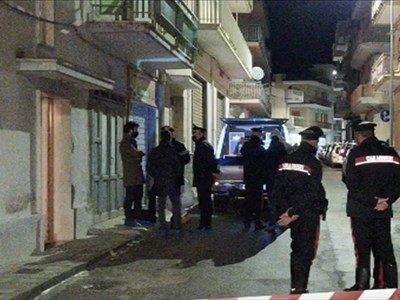 Massafra (Ta): 61enne uccide moglie e suocera e fugge