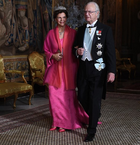 Princess Sofia is wearing a gown by Swedish designer Valerie Aflalo. Crown Princess Victoria wore a red gown
