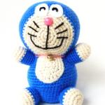 http://www.howtoamigurumi.com/amigurumi-doraemon-free-pattern/