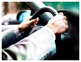बी०एस०ए० के औचक निरीक्षण में खण्ड शिक्षा अधिकारी की गाड़ी चलाते मिले हेडमास्टर