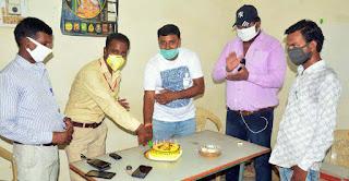 समाजसेवी धर्मराज कन्नौजिया ने छायाकार चक्रवर्ती का मनाया जन्मदिन | #NayaSabera