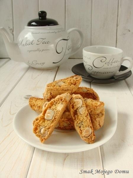 Ciasteczka cantuccini z orzechami laskowymi