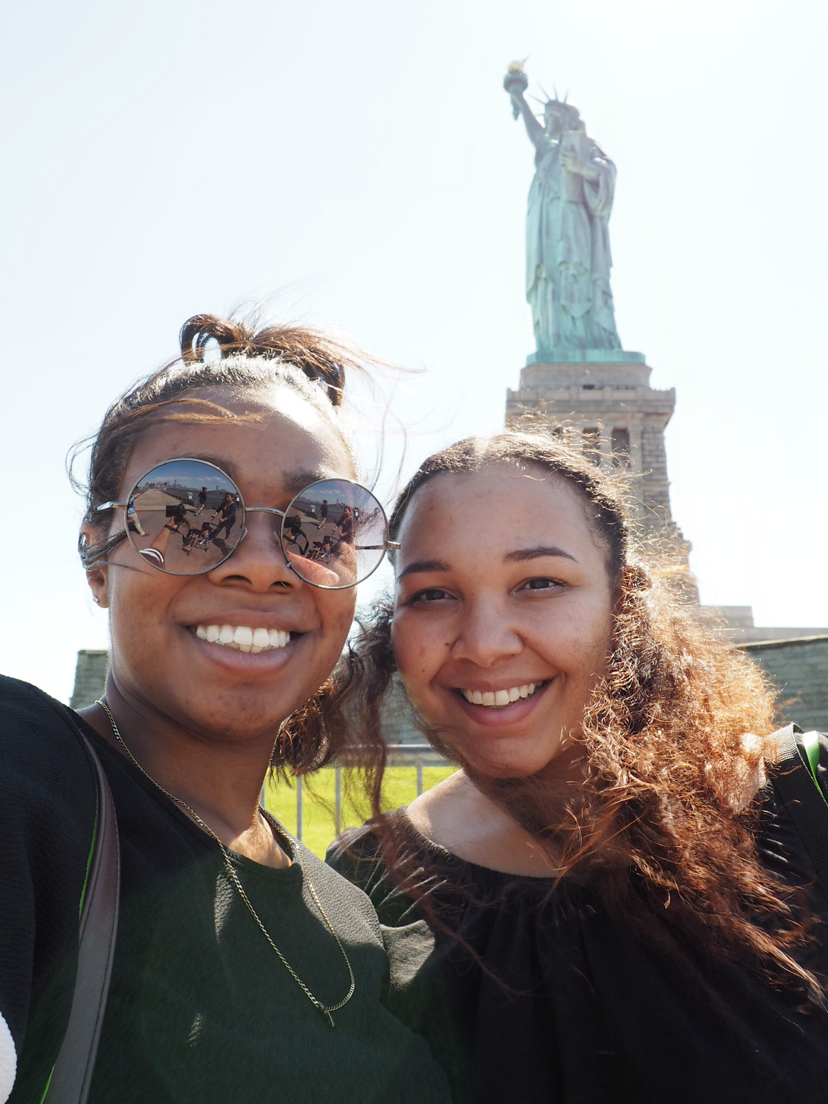 nyc-part-one-day-statue-of-liberty-selfie