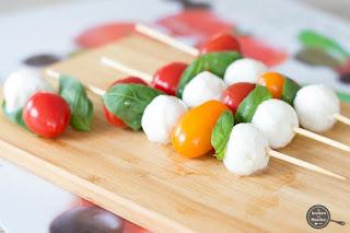 Spiesjes van tomaat en mozzarella