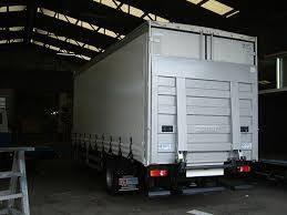 Envíos masivos de perros al extranjero en camiones sin ventilación