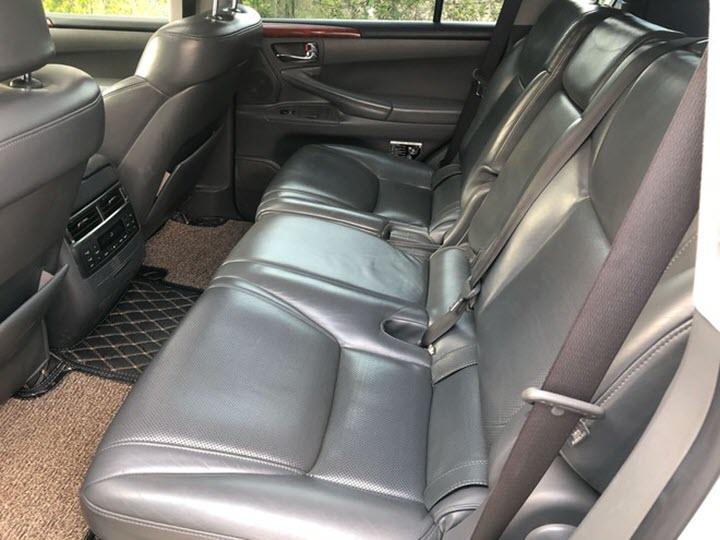 Lexus LX570 10 năm tuổi vẫn có giá ngang căn hộ Sài Gòn