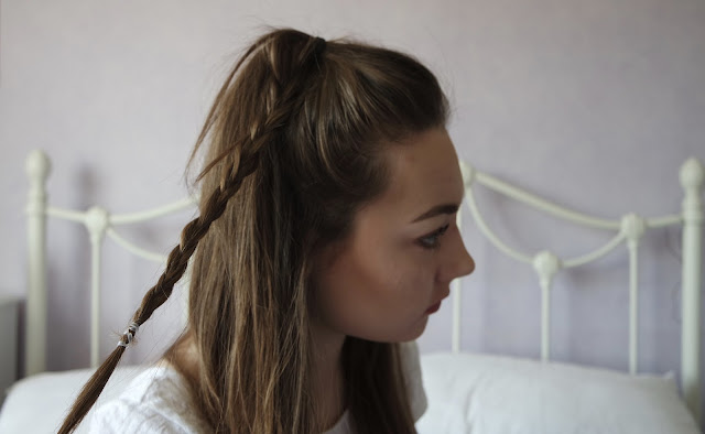 Easy and Simple Braided Half Up Half Down Tutorial for Medium to Long hair, 4 steps, great for second or third day hair