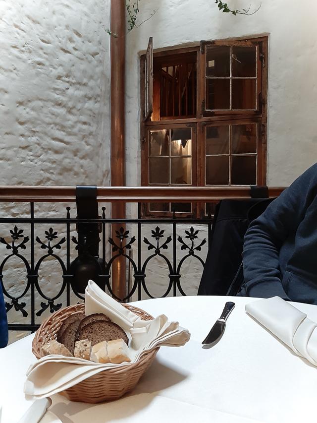 Loma Riiassa, miniloma, Riika, ravintola 1221, Riian vanha kaupunki