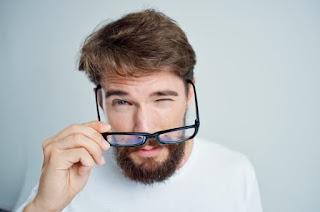 Hoax Seputar Obat Mata Yang Di Klaim Menyembuhkan Penglihatan