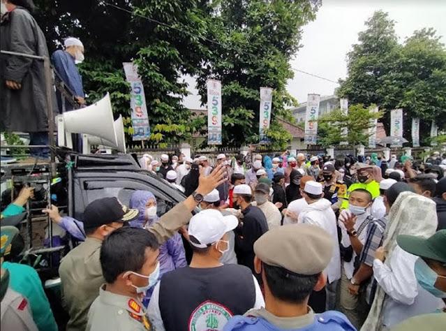 Panas! Ratusan Pendukung Ha6i6 Ri2ieq Minta Bima Arya Dilengserkan