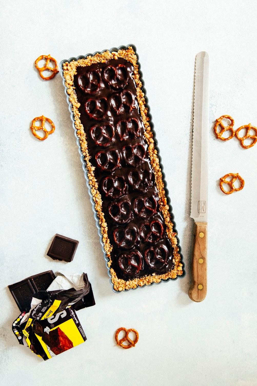 chocolate pretzel tart - hummingbird high    a desserts and baking ...