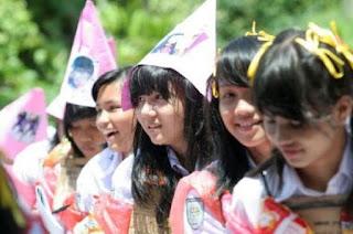 Perploncoan Sisw Baru di Sekolah Bandung