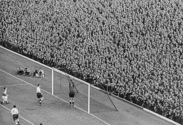 Fotografia di partita di calcio di Marc Riboud
