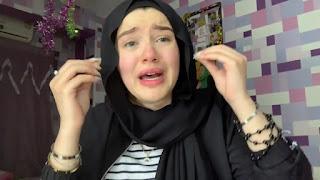 الطالبة حنين حسام باكية فديو توضح فيه القصة كاملة