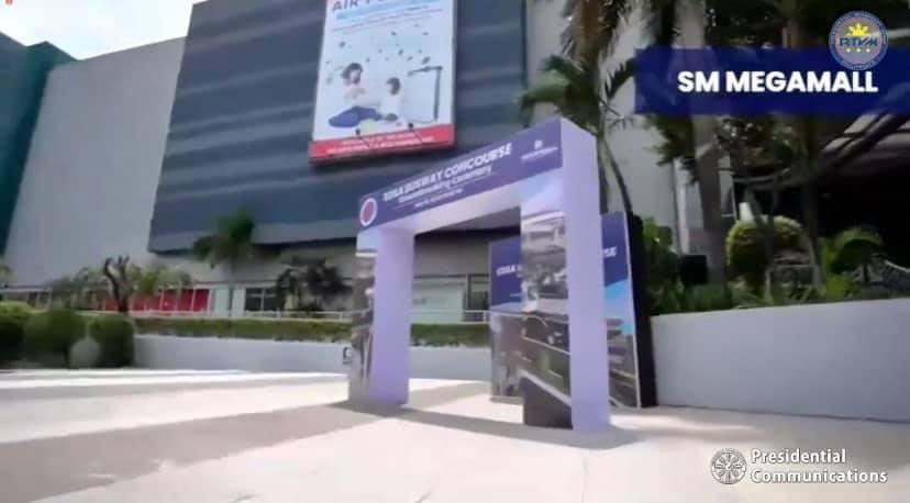 SM Megamall EDSA Busway Bridge with Concourse