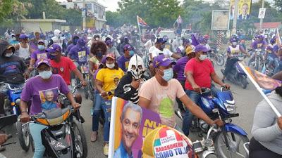 PLD y aliados realizan marcha caravana de cierre de campaña en Barahona