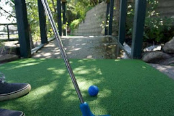 How To Play Mini Golf Indoor Beginner's Guide