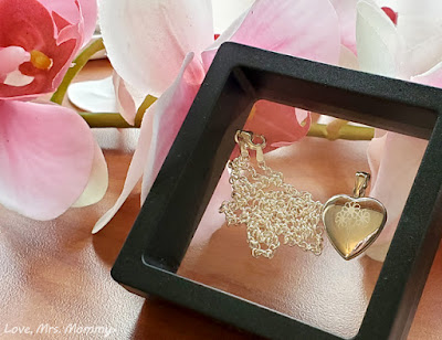 pictures on gold, heart locket, sterling silver jewelry, custom jewelry, mothers day, personalized jewelry