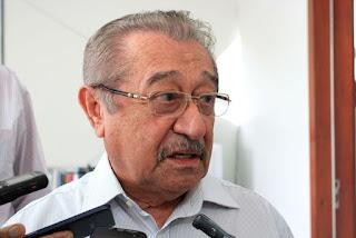 Justiça determina redução de R$ 23,5 mil no salário de José Maranhão para se adequar ao teto
