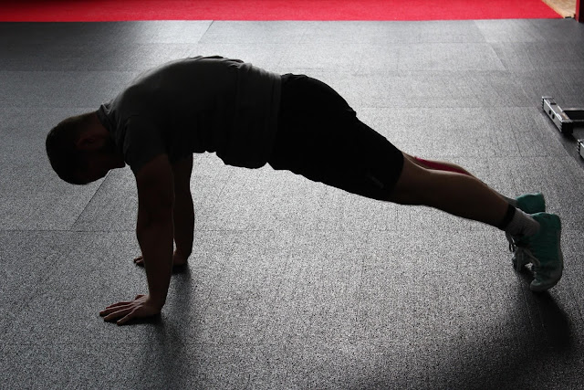 5 Exercises For Building Muscle Without Equipment