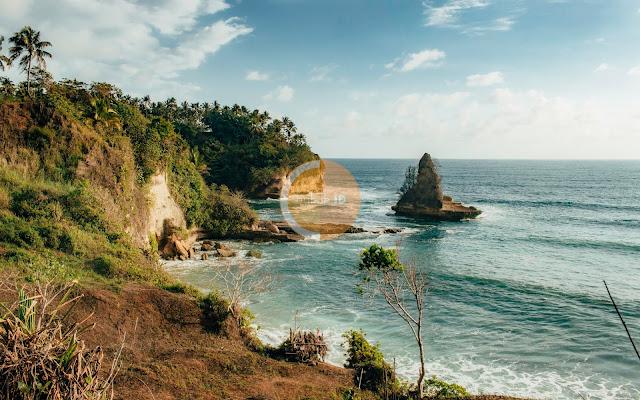 Pantai Karang Gantungan - Pantai Tebing karang menarik di kawasan Surade - Ujunggenteng Sukabumi