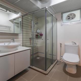 bto bathroom with shower screen