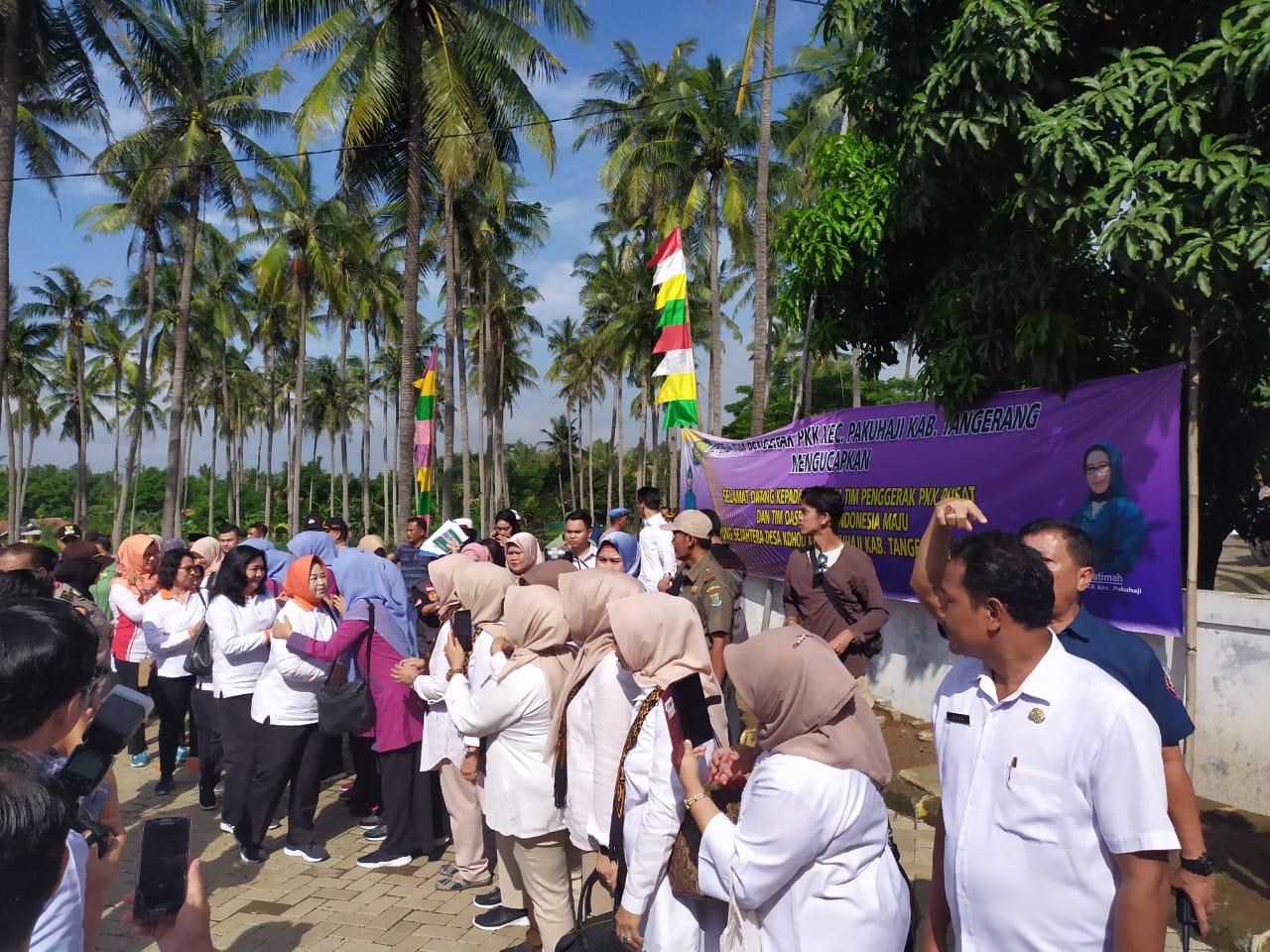 Bupati Tangerang Bersama Rombongan Ibu Menteri Kunjungi Desa Kohod