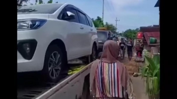 Selain Borong Mobil, Duit Miliaran Rupiah yang Didapat Warga Tuban untuk Ini