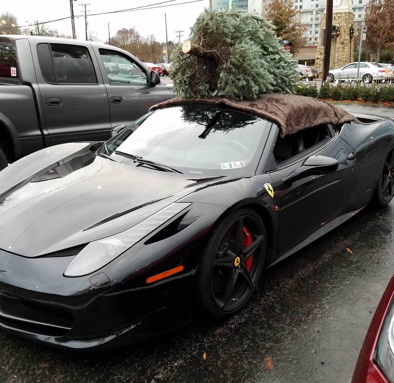 Transport Ferrari: How To Transport A Christmas Tree? Why, A Ferrari 458 Will