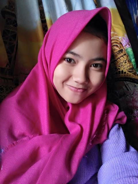 Reva Seorang Gadis, Beragama Islam, Suku Sunda, Berprofesi Pelajar, Di Kabupaten Bandung, Provinsi Jawa Barat Mencari Jodoh Pasangan Untuk Jadi Calon Suami