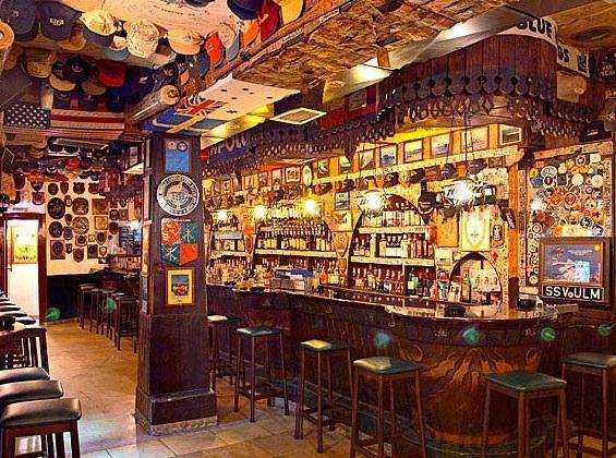 El Mondo Bar, Creta