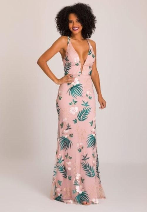 vestido de festa longo rosa floral para casamento durante o dia