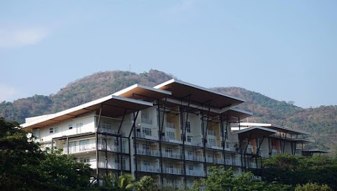 Affordable Pico de Loro Accommodation for 6