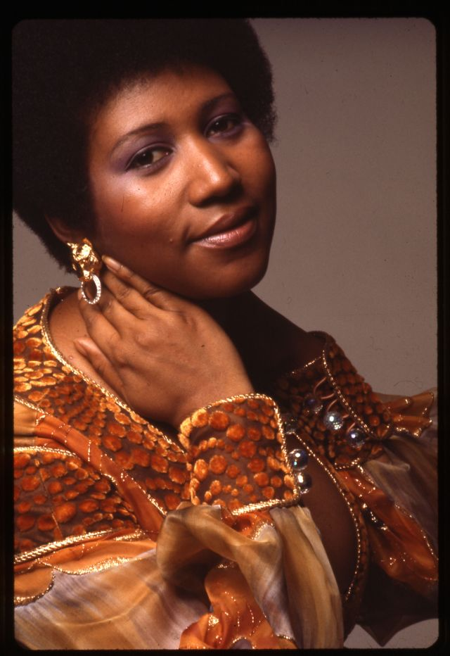 Beautiful Pics Of Aretha Franklin Photographed By Anthony -1914