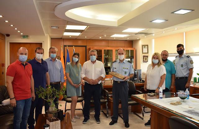 Συνάντηση με τον Δήμαρχο Νίκο Ζενέτο είχε ο νέος Διοικητής του Α.Τ Ιλίου