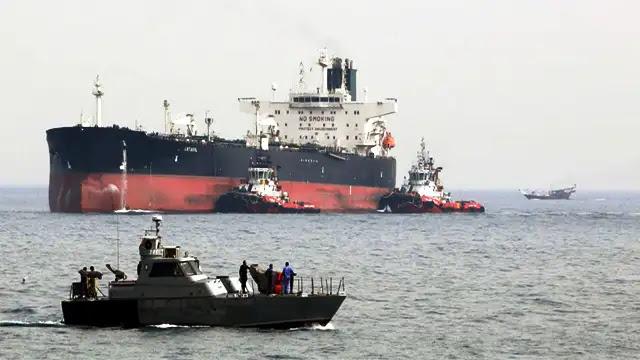احتجاز ناقلة ترفع علم بنما في المياه الإندونيسية تحمل أكثر من 4000 طن من النفط