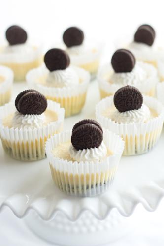 http://www.savvyapron.com/mini-oreo-cheesecakes/